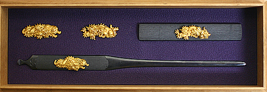 B086 龍虎図三所物 銘 紋徳乗光孝(花押)Mitokoromono with design of Dragon and Tiger Tokujyo Mitsutaka